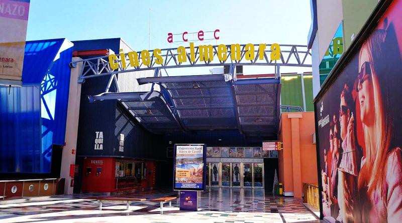 Los Cines Almenara en Lorca se estrena con Outlet Vending